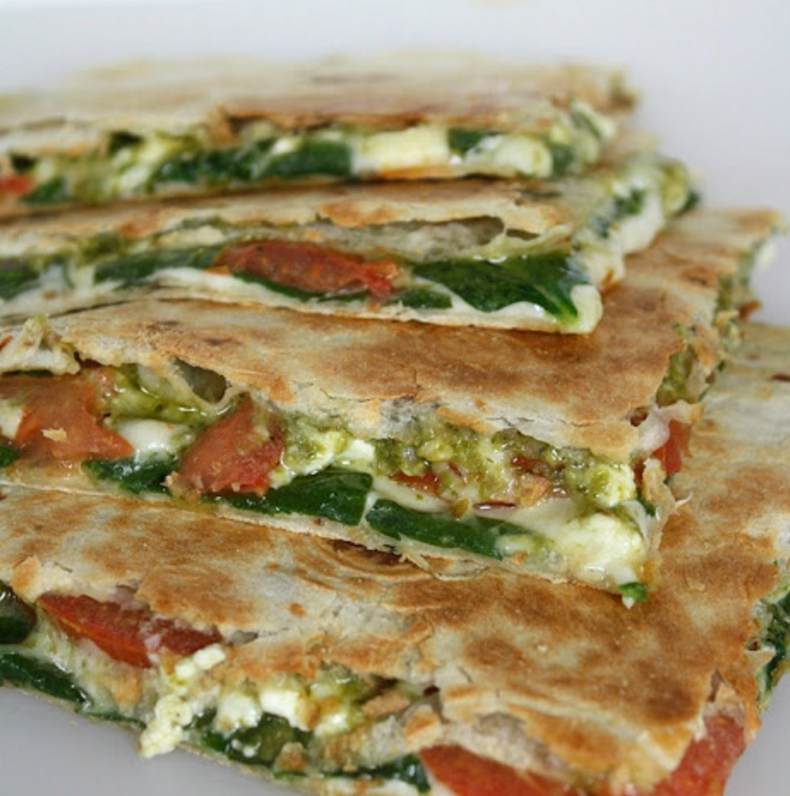omelette spinach and mozzarella