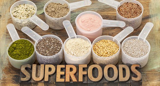 Μύθοι και αλήθειες πίσω από τις υπερτροφές-superfoods